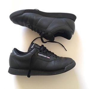 1980s REEBOK Classics Black Sneaker Womens 7.5